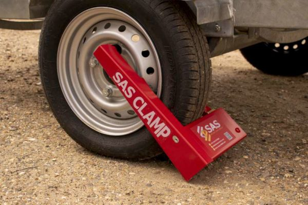 HD1 Wheel Clamp on narrow tyre