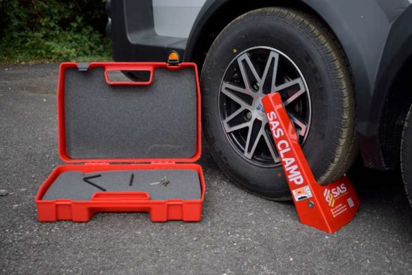 Supaclamp Duo Clamp on alloy wheel